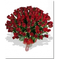 Ramo LOVE de 100 rosas rojas